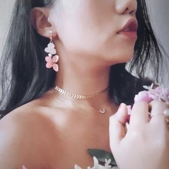 もう一度18Kゴールドメッキジルコンイヤリングを着ている女の子ピンクの永遠のアジサイのイヤリング非対称チェコガラスビーズ/イヤー