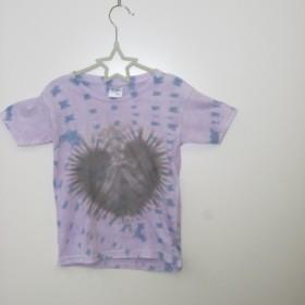 タイダイ染め くろーい!ハートもようのキッズTシャツ110サイズ