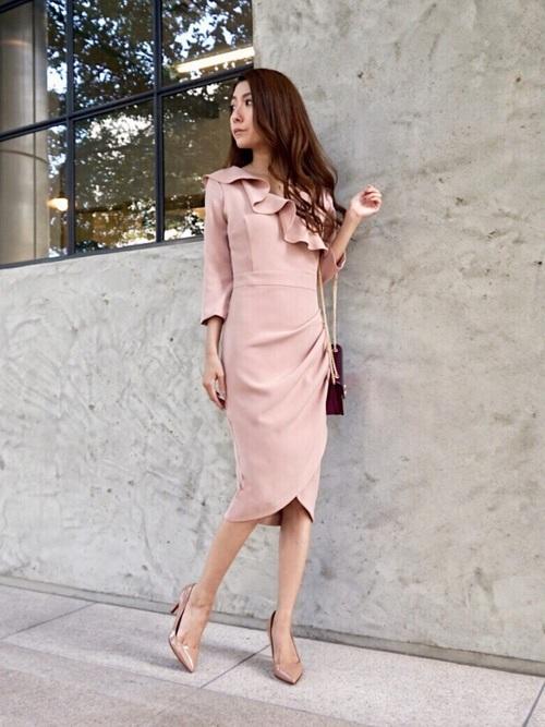 【秋】結婚式お呼ばれコーデのおすすめカラーと着こなしの注意点