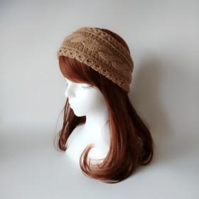 ケーブル編みのヘアバンド(キャメル)