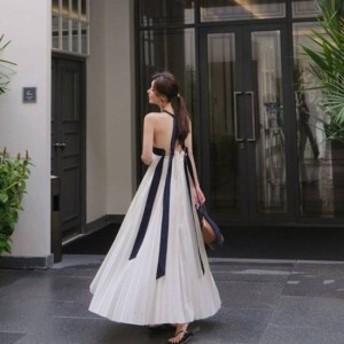 リボンをあしらったバックスタイルが素敵☆ プリーツマキシドレス 春夏/リゾートワンピース