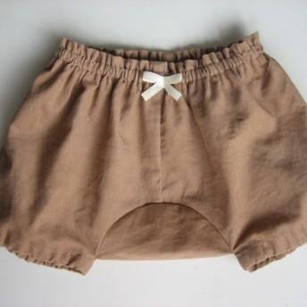 再販シャツコールの男子女子用パンツ、ベージュ色
