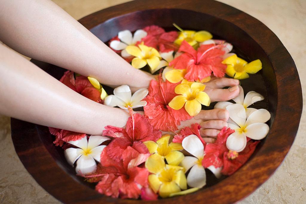 身体を温める足湯