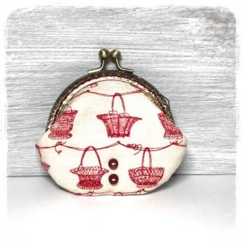 まるっとふっくら がま口財布・小物入れ赤いカゴと木のボタンイヤホンケース アクセサリー入れにも