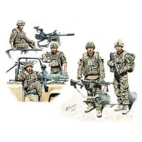 マスターボックス 1/35 英・現用歩兵5体-中東 フル装備 車上乗車シーン【MB35180】プラモデル 【返品種別B】