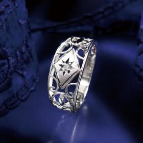 プラチナ100 透かしダイヤモンド 後光彫りリング レディース
