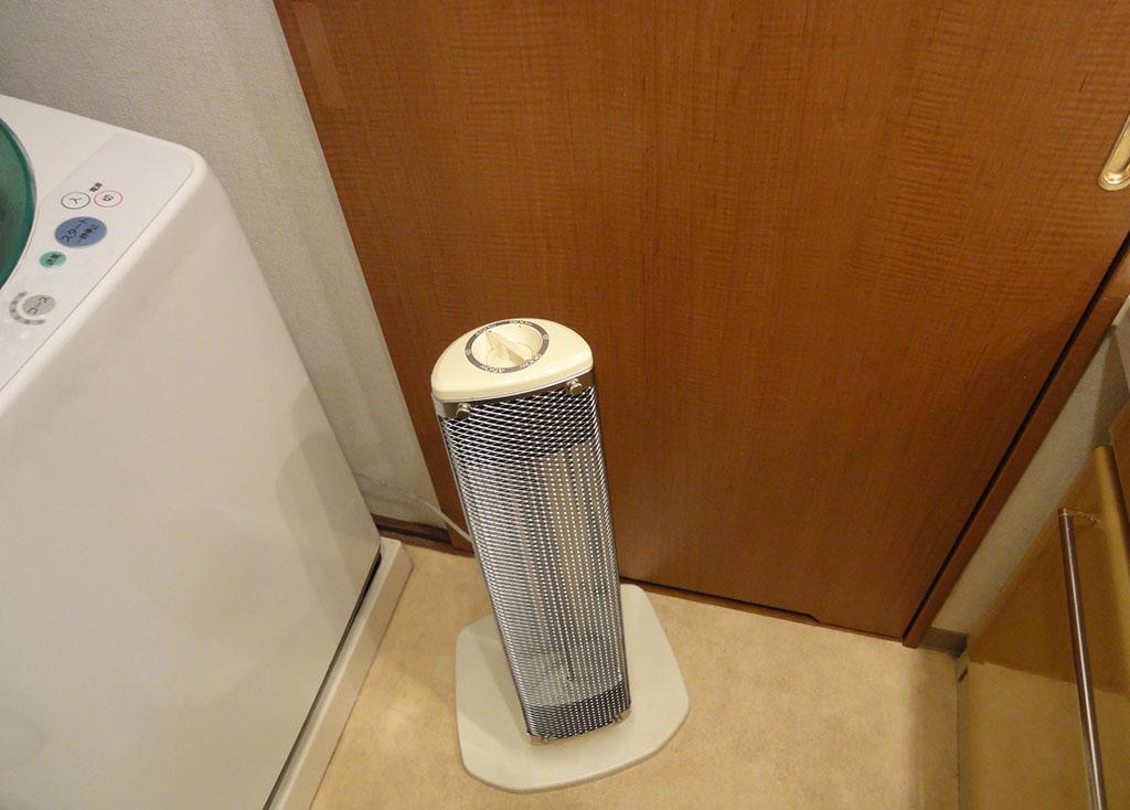 脱衣所に設置したヒーター