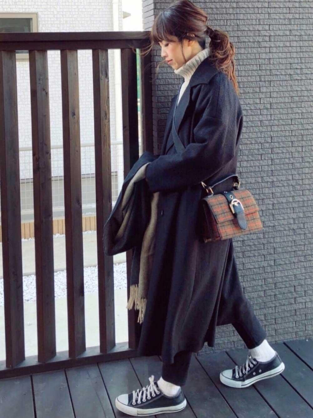 ブラックのオーバーサイズコート