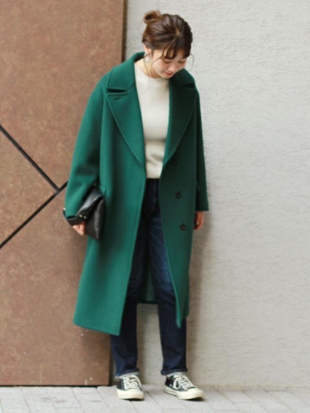 グリーンのオーバーサイズコート