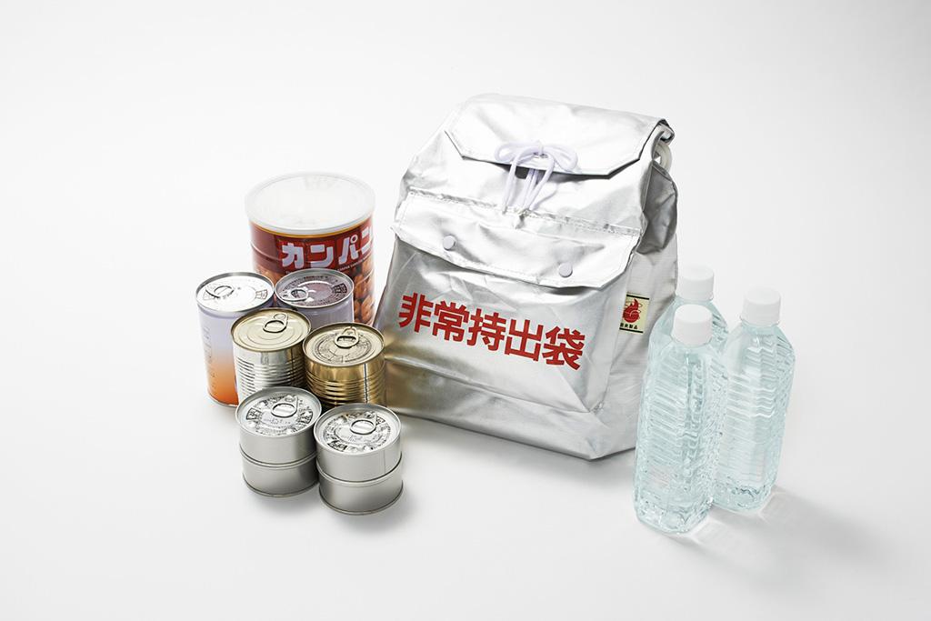 災害対策の飲料水と非常食
