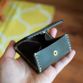 本革 BOX型コインケース(グリーン×キャメル)