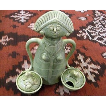 タバナン 調味料入れ チリ人形 フタ付き グリーン 女 アジアン雑貨 バリ雑貨 インテリア 陶器 テーブルウェア 小物入れ