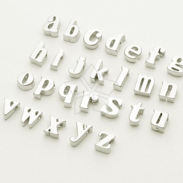 83c279dfa88c10 [2個入り]イニシャル チャーム、アルファベット ビーズ、小文字マッドシルバー a z、
