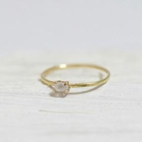18k gold ring 小さな天然石 スモークハーキマー