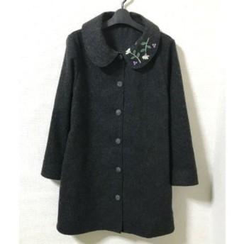 襟に刺繍のウール単コート