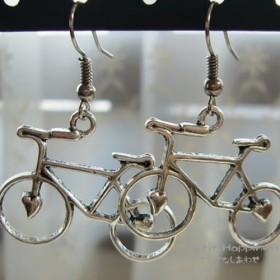 ハートの自転車ピアス/アンティークシルバー