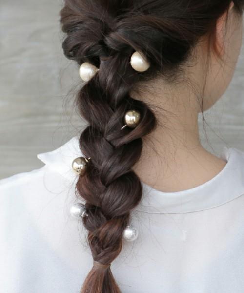 今どきヘアアクセに合わせたい髪型は?冬ヘアアレンジ特集