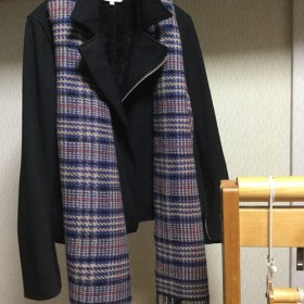 グレーンチェックのカシミヤ手織りマフラー