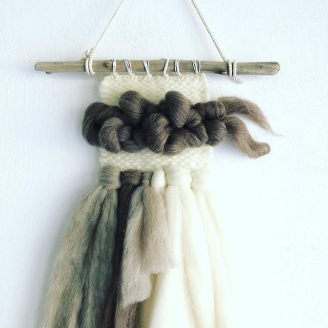 四色の羊毛hanging