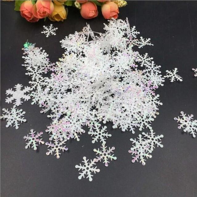 白いプラスチックのスノーフレーク紙吹雪のテーブルスプリンクルクリスマス装飾