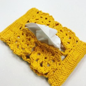 かぎ針編みモチーフのポケットティッシュケース
