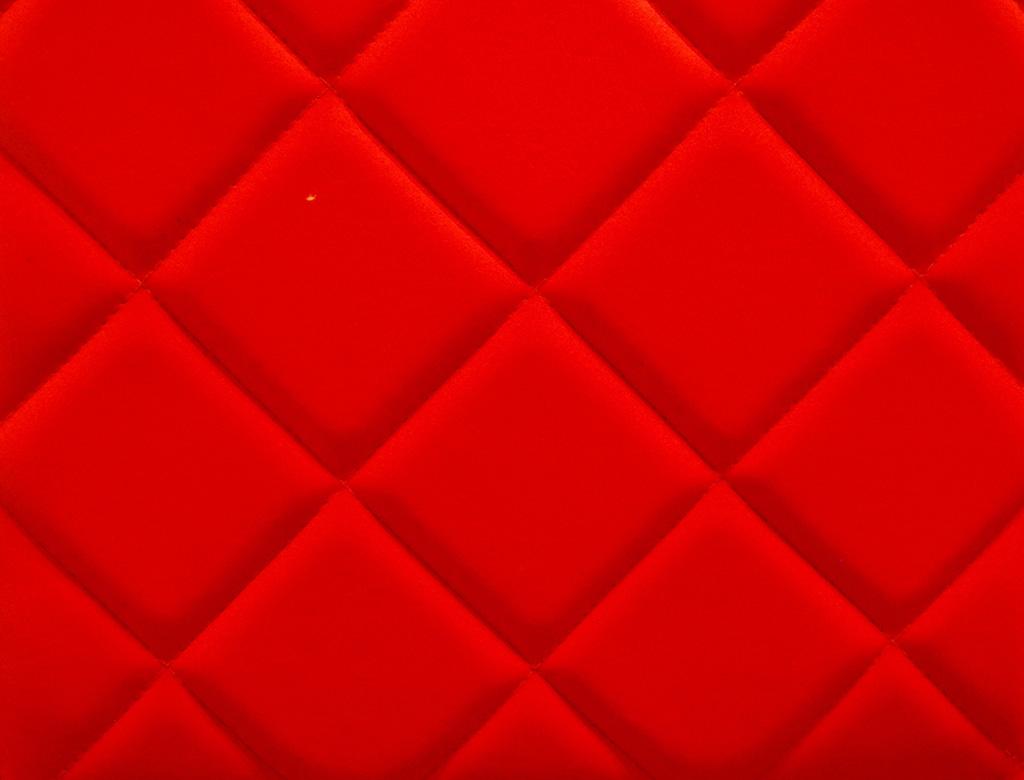赤いキルティング生地