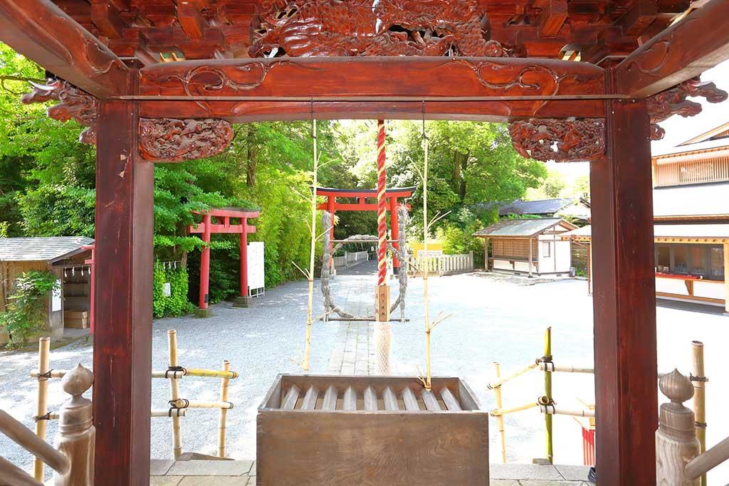 神社のお賽銭箱