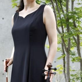 演奏会・発表会に / 音楽を始めたら 胸元ハートカットのフレアーロングドレス(ブラック) 1-0081C