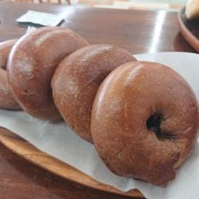 カフェモカベーグル《キャロブチップ》《国産小麦》《自家製甘酒酵母》《ポーリッシュ製法》【4個セット】