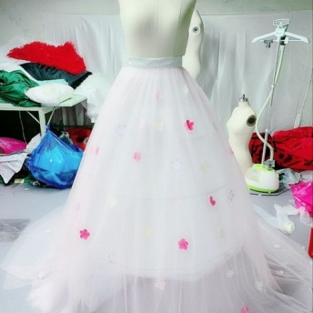 ウエディングドレス、カラードレス用オーバースカート オーバードレス お花びら付き デザイン変更可能