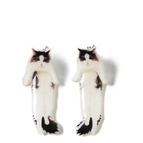 【しょこたん着用】mmts / 猫ぶら下がり ピアス レディース ピアス(両耳用) ピンク ONE SIZE