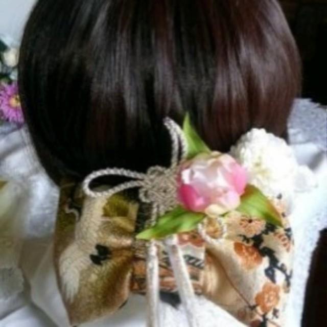 《お正月》金にの刺繍の帯地の髪飾り お花プレゼント