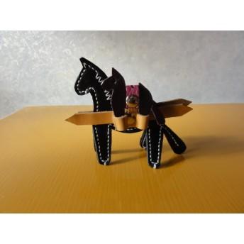 黒オイルヌメ革で作った マルチペンスタンド(親子馬型) 定形郵便送料無料