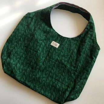 ラウンドバッグ グリーン編み模様柄