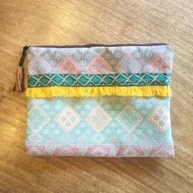 ジャガード織りクラッチバッグ