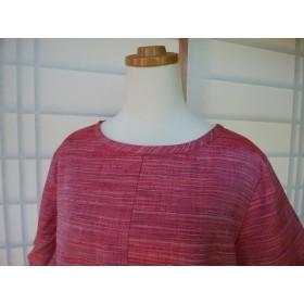 着物リメイク 紅色横縞紬のプルオーバー