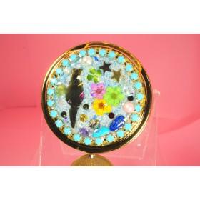 64、ミーたんの宝石箱 猫 ミラー付き 丸形ピルケース