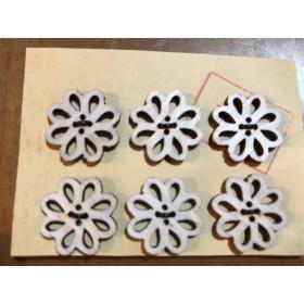 ベトナム花の形の木のボタン12個セット(6個セットが2個)