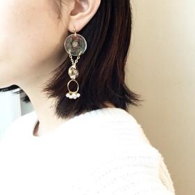 氷綱/アンティーク調パーツを詰め込んだアシンメトリーの耳飾り