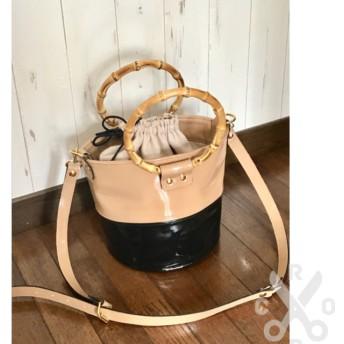 牛革エナメルのバケツ型2wayショルダーバッグ4