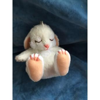 new眠りウサギキーホルダーサイズ(ホワイト)