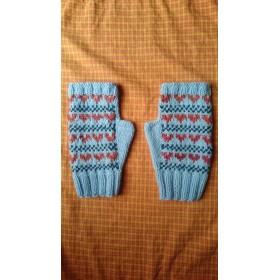 ハートの模様の手袋