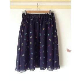 昆虫図鑑のふんわりスカート