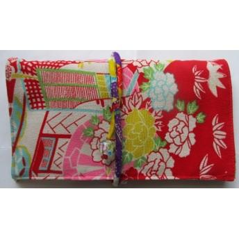 2955 花柄の縮緬の着物で作った財布・ポーチ