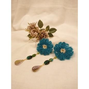 ふわふわ毛糸のお花 耳飾り イヤリング
