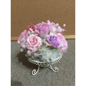 ピンクの薔薇とカスミ草