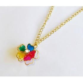 5色のハート花びらネックレス