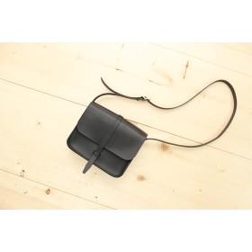 JAPAN LANSUI DESIGN 名入れ対応 ヌメ革手作り手縫い ショルダーバッグ