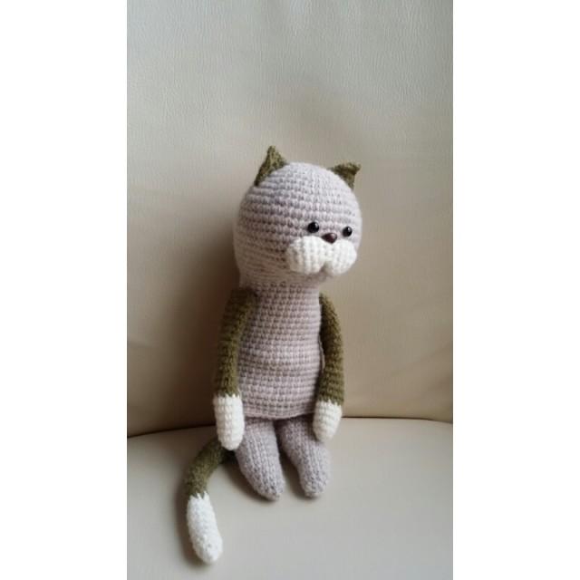 ミリタリー・エアリー・アース~空気を含んだ糸で編まれた猫~