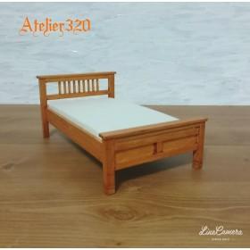 ベッド Aタイプ 15cm シングルサイズ ミニチュア家具 ドールハウス